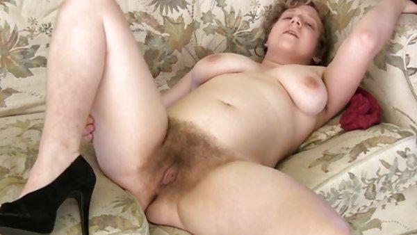 漂亮奶子的黑发一个性感的女性对现金